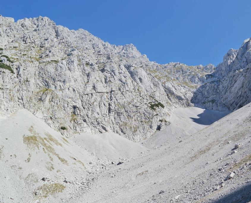 Gebirge ist der Ursprung von Kies